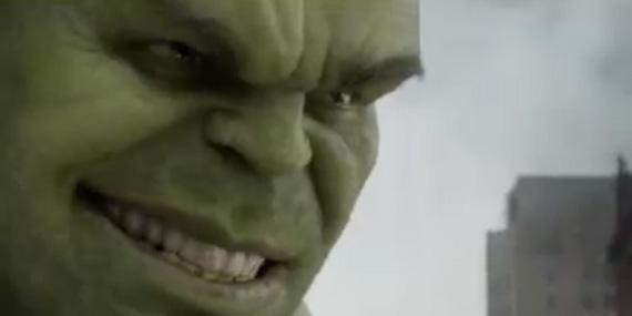 The-Hulk-Smiling-dr-bruce-banner-31267377-570-285