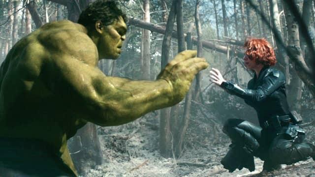viuda-negra-hulk-vengadores-era-ultron