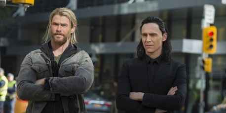 thor-and-loki-on-earth-in-thor-ragnarok